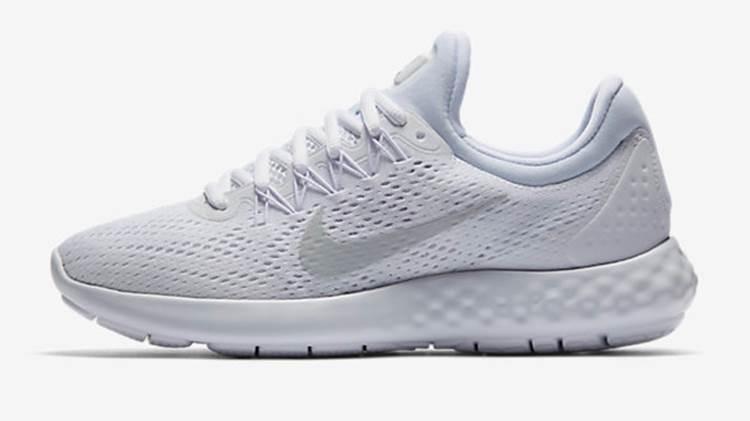 40 Model Sepatu Nike Terbaru 2019 Pria dan Wanita ~ diedit.com 4324c01422