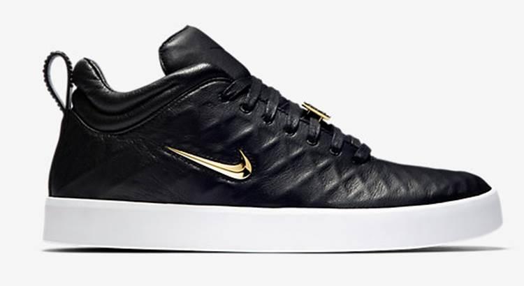 40 Model Sepatu Nike Terbaru 2019 Pria dan Wanita ~ diedit.com 79d2b3edcc