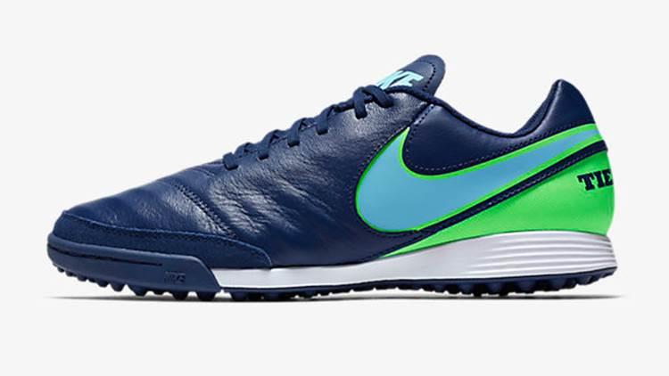 40 Model Sepatu Nike Terbaru 2019 Pria dan Wanita ~ diedit.com 37315dc0d0