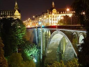 negara kaya luxembourg