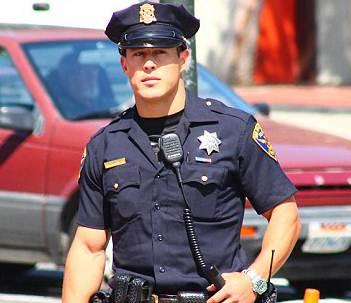 polisi ganteng amerika