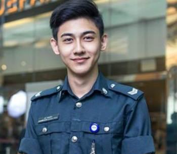 polisi ganteng singapura