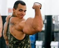 manusia lengan besar