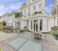 rumah istana london